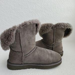 UGG Short Bailey Button Boots Gray SZ 7
